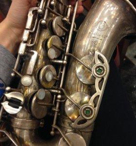 Преподаватель игры на саксофоне, флейте, кларнете