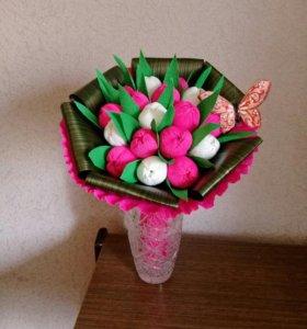 Букет из конфет-тюльпаны