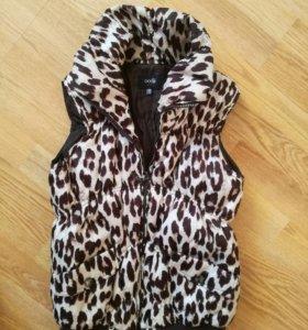 Пальто жилетка