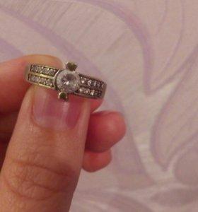 Кольцо.серебро 925