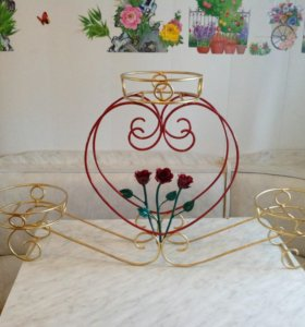 Кованная подставка под цветы