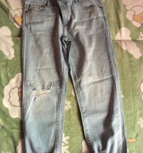 Светлые джинсы - бойфренды