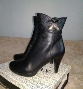 Ботинки женские, 37 размер, новые