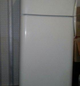 """холодильник """"Индезит """""""