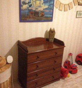 Кроватка и комод-пеленальный стол