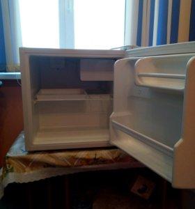 Настольный холодильничек