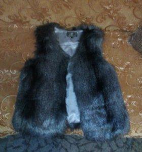 Меховая жилетка для девушки