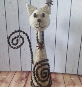 Кошечка из кофейных зерен