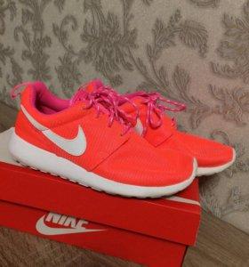 Кроссовки Nike (женские, оригинал!)