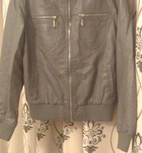 Стильная кожанная курточка