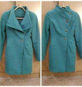 Пальто зеленое бу 40 42