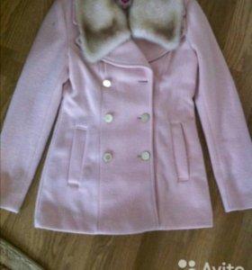 Пальто демисезонное новое.