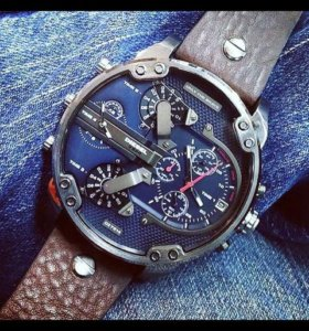Стильные мужские часы.