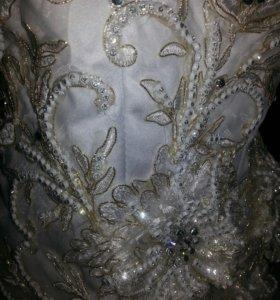 свадебное платье. 46-48р