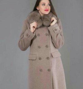 Новое пальто из ворсовой ткани