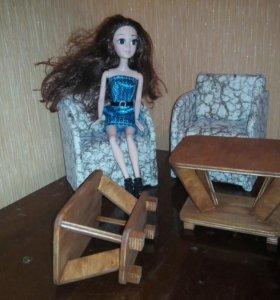 Столик кукольный