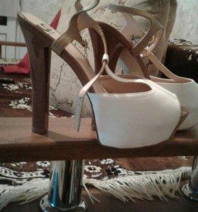 Обувь. Босоножки