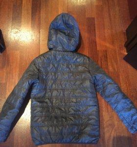 Куртка весна-очень на мальчика 140 см
