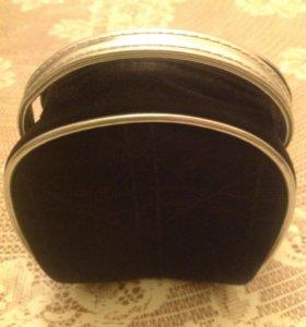 Косметика Dior чёрного цвета с оконтовкой серебра