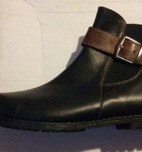 Ботинки кожанные новые!!!