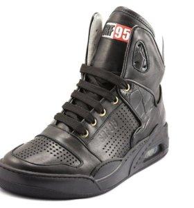 Новые кроссовки Serafini SRF95