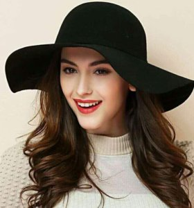 Новая черная шляпка
