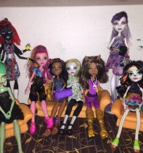 7 кукол монстр хай.
