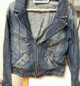 Джинсовая куртка размер s
