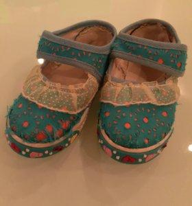 Туфли мягкие тканевые из ОАЭ 23р и носки 2 пары