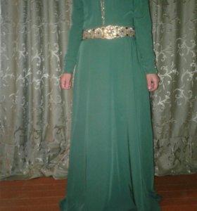 платье почти новое