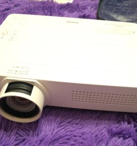 Проектор Sanyo PLC-WXU300