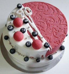 Двухярусный муссовый торт