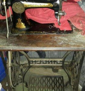 Швейная машинка Zinger, ножной привод