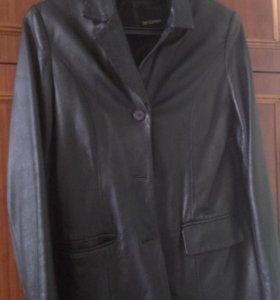 46 размера. Кожаный женский пиджак