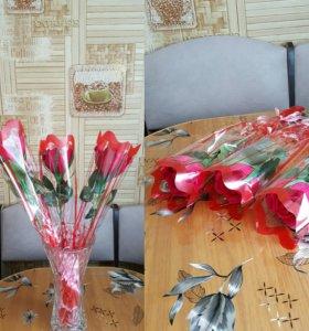 Роза с конфеткой внутри