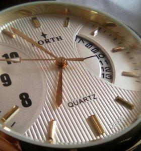 Шикарные мужские часы.