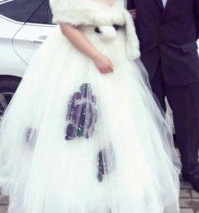 Продам шикарное свадебное платье. Не дорого.