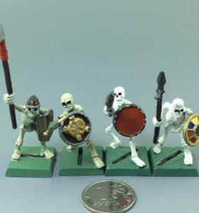 Скелеты копейщики, оловянные, цветные