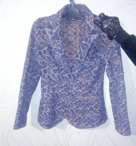 Джинсовый пиджак фирмы оджи
