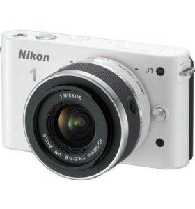 Цифровой фотоаппарат Nikon J1