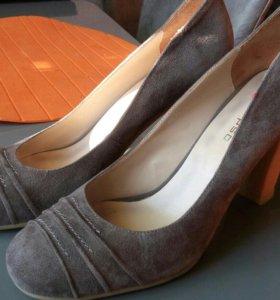 Туфли. Calioso. Новые. Натуральная замша