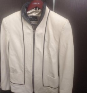 Куртка кожаная.отличное состояние.