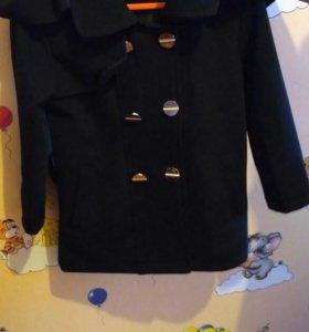 Продам пальто на девочку 3года