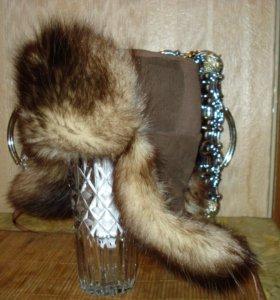 Зимняя шапка из меха опоссума.