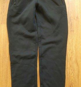 Спортивные штаны мужские. Новые.