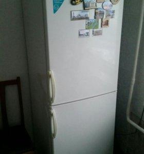 Холодильник двух камерный