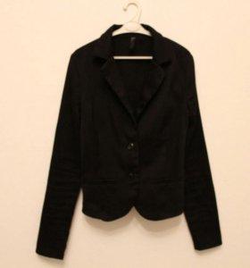 Пиджак классический, приталенный