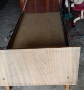 Кровати деревянные б/у 4шт.