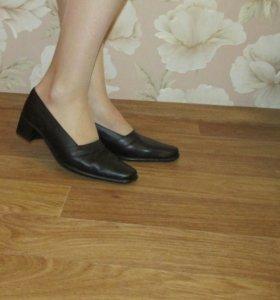 Новые кожаные туфли,р.39