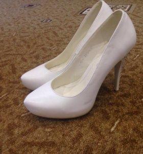 Туфли белые ( свадебные )